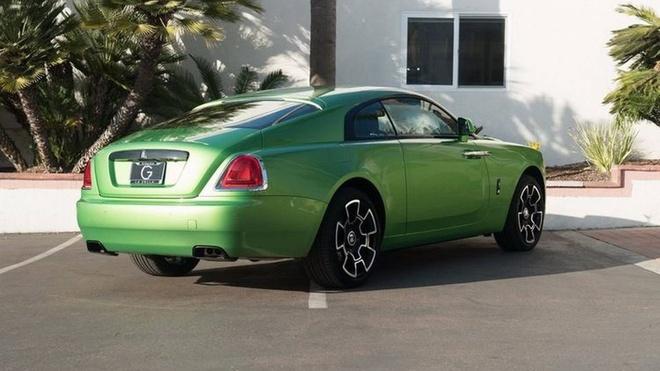 Rolls-Royce Wraith mau xanh com gia hon 400.000 USD hinh anh 5