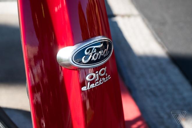 Scooter dien dau tien kieu dang giot nuoc tu Ford hinh anh 2