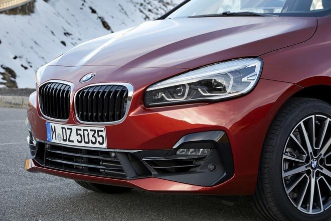 BMW ra mat ban nang cap cho Series 2 2018 hinh anh 2