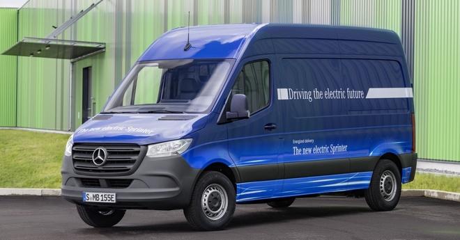 Mercedes-Benz Sprinter the he moi ra mat, Ford Transit nen de chung hinh anh 9