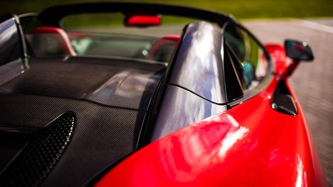 McLaren 570S phien ban Valentine doc nhat hinh anh 5
