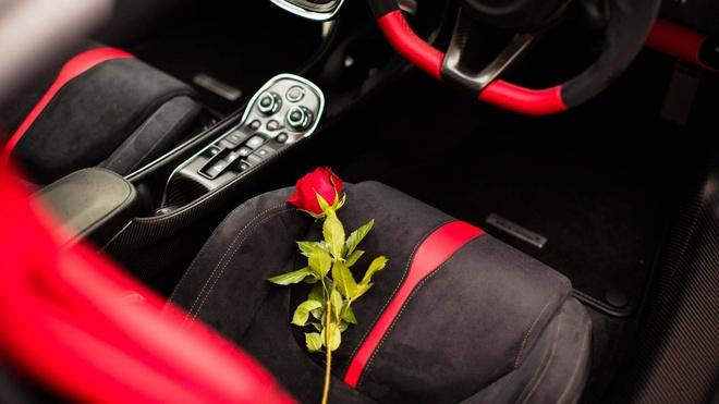 McLaren 570S phien ban Valentine doc nhat hinh anh 3