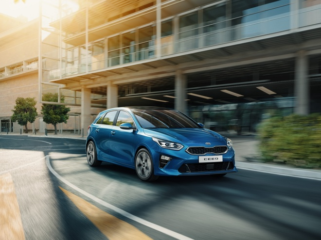 Chi tiet Kia Ceed 2018 - chiec Forte trong dang hatchback hinh anh 1