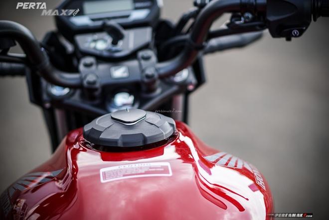 Anh chi tiet Honda CB150R Verza vua ra mat hinh anh 8