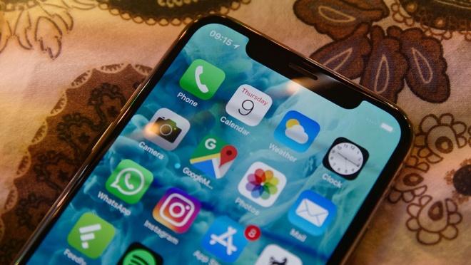 Dung smartphone nam 2018, tot nhat nen lam quen voi 'tai tho' hinh anh 2