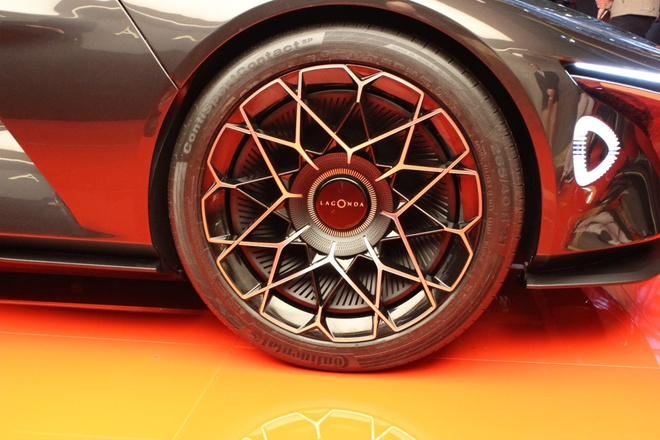 Concept xe dien tu lai voi thiet ke tu tuong lai cua Aston Martin hinh anh 7