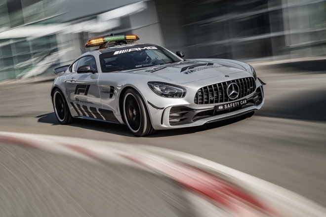 Mercedes-AMG GT R duoc chon la 'xe an toan' mua F1 2018 hinh anh 3