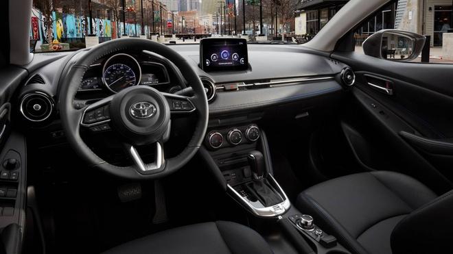 Toyota trinh lang mau sedan Yaris 2019 moi hinh anh 2
