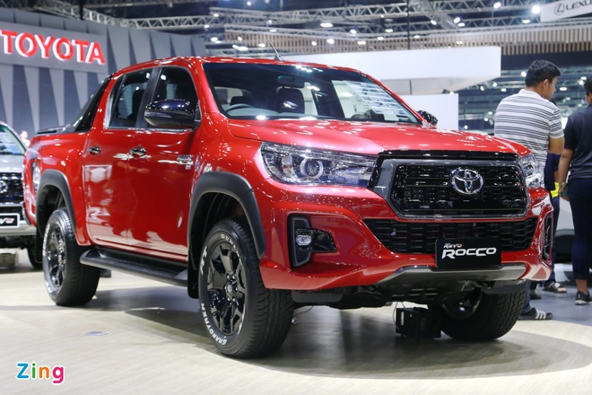 Toyota Hilux 2018 them ban Rocco the thao hinh anh
