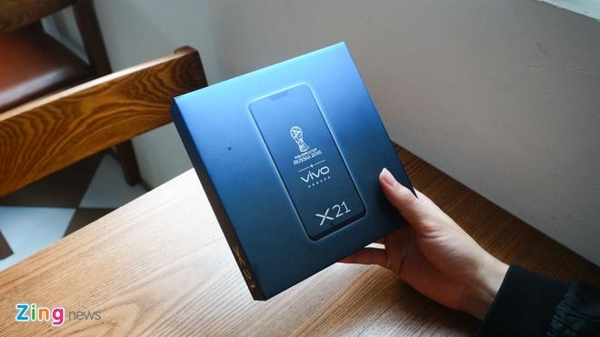 Smartphone van tay duoi man hinh dau tien ve VN hinh anh 1