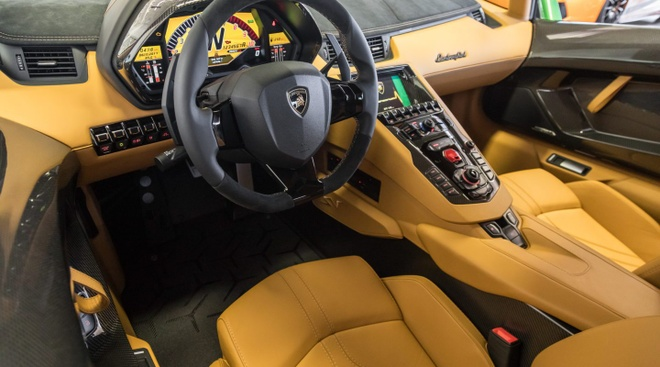 Lamborghini Aventador SV ban dac biet voi mau son doc dao hinh anh 4