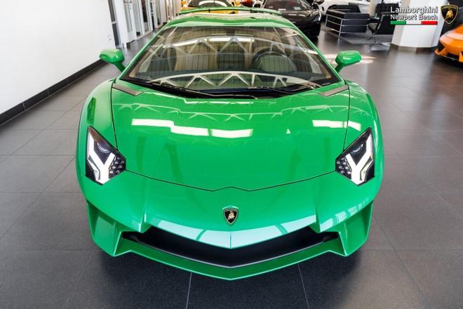 Lamborghini Aventador SV ban dac biet voi mau son doc dao hinh anh 3