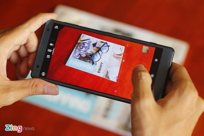 Mo hop va trai nghiem Sony Xperia XZ2 dau tien tai VN hinh anh 7