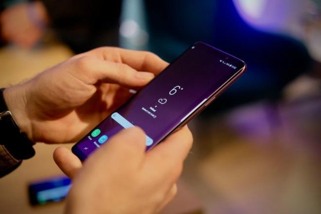 Nhung smartphone noi bat ra mat nua dau nam 2018 hinh anh