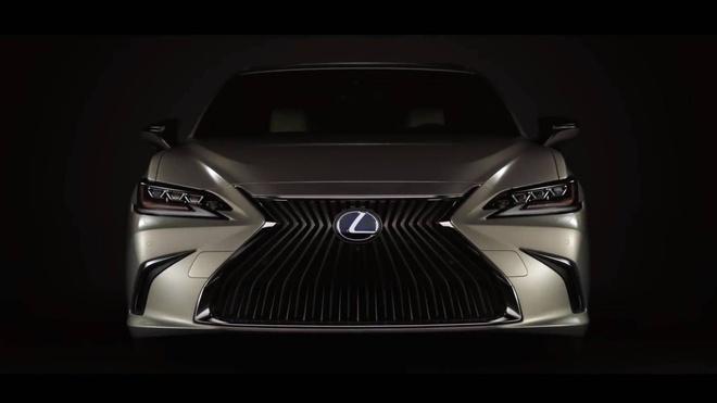 Lexus ES 2019 ro ri hinh anh dau tien hinh anh 2
