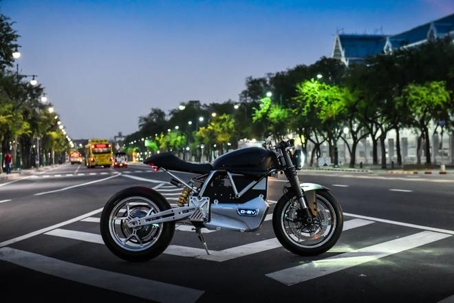 Ducati Scrambler D-EV chay dien ra mat anh 6