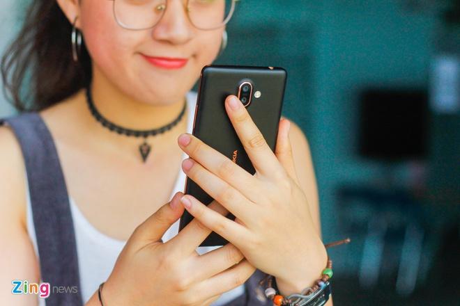 Mo hop va trai nghiem Nokia 7 Plus anh 14