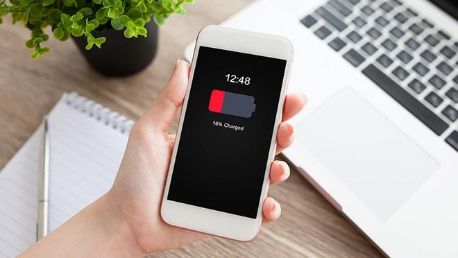 Neu tung thay pin iPhone gia 79 USD, Apple tra lai ban 50 USD hinh anh 1