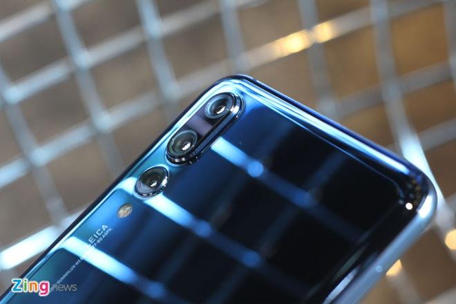 Trai nghiem Huawei P20 Pro: Smartphone dau tien co 3 camera sau hinh anh 8