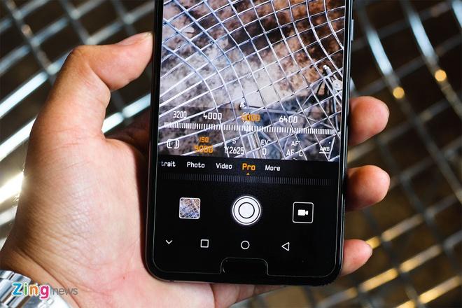 Trai nghiem Huawei P20 Pro: Smartphone dau tien co 3 camera sau hinh anh 6