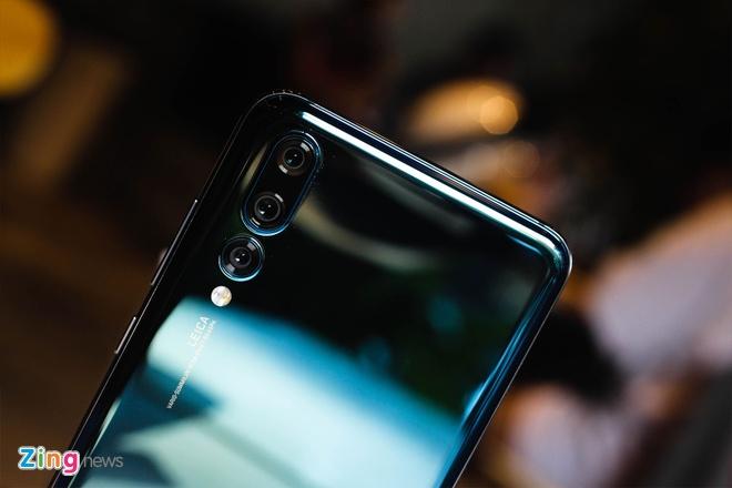 Trai nghiem Huawei P20 Pro: Smartphone dau tien co 3 camera sau hinh anh 4