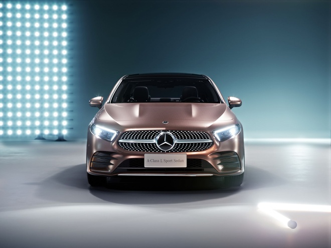 Mercedes-Benz A-Class ban sedan ra mat tai Bac Kinh hinh anh 9