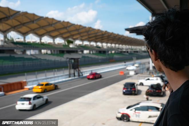 Gioi choi xe Malaysia trong 'con nghien xe Nhat' hinh anh 12