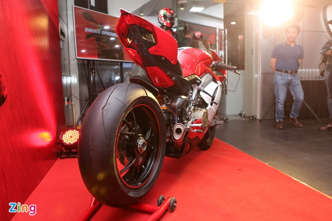 Ducati Panigale V4 Speciale gia gan 2 ty tai VN co gi dac biet? hinh anh 2