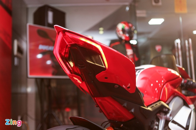 Ducati Panigale V4 Speciale gia gan 2 ty tai VN co gi dac biet? hinh anh 9