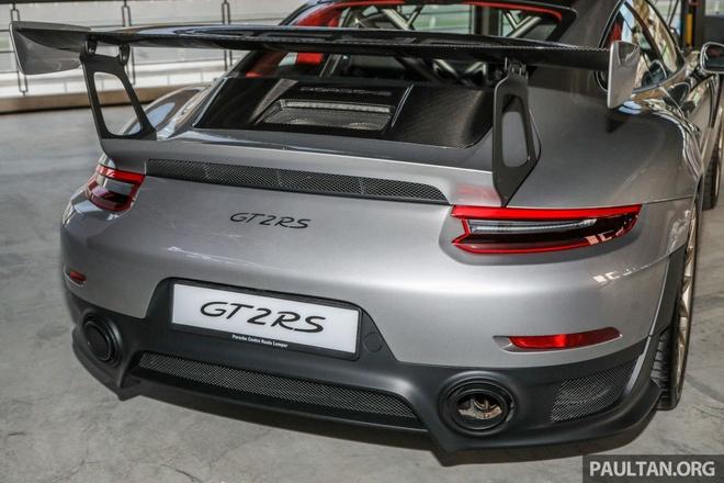Porsche 911 GT2 RS 2018 co gia 720.000 USD tai Malaysia hinh anh 6