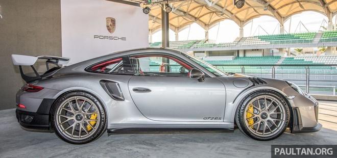 Porsche 911 GT2 RS 2018 co gia 720.000 USD tai Malaysia hinh anh 4
