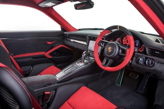 Porsche 911 GT2 RS 2018 co gia 720.000 USD tai Malaysia hinh anh 8