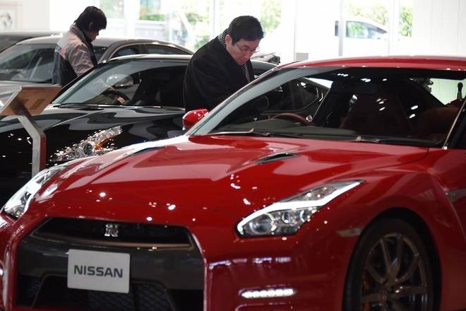 Ban mot chiec sieu xe, Ferrari thu loi 80.000 USD hinh anh 1