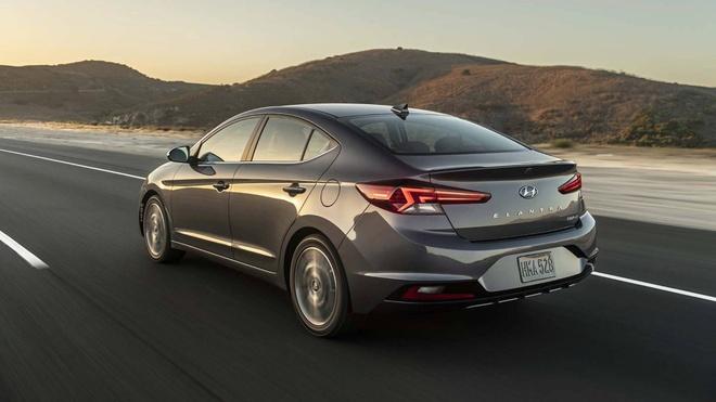 Hyundai Elantra 2019 co 6 bien the, chot gia tu 17.000 USD tai My hinh anh 3