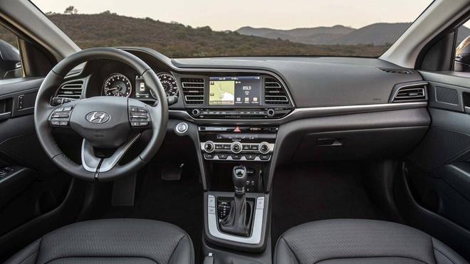 Hyundai Elantra 2019 co 6 bien the, chot gia tu 17.000 USD tai My hinh anh 4