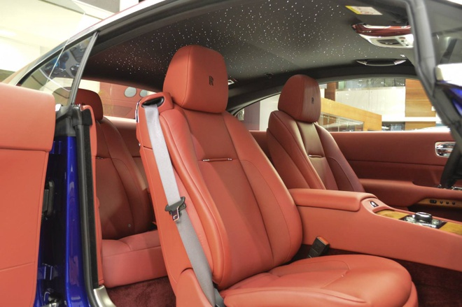 Rolls-Royce Wraith voi phoi mau doc nhat the gioi tai Abu Dhabi hinh anh 5