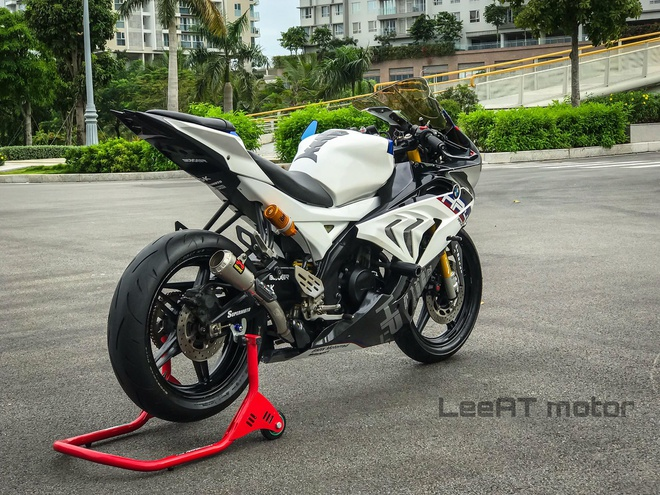 Yamaha R15 hoa 'ca map chua' BMW HP4 Race boi tho Viet hinh anh 3