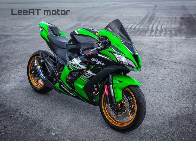 Nakedbike Kawasaki Z800 'phau thuat' thanh sieu moto tai Sai Gon hinh anh