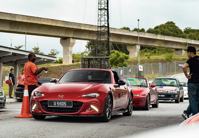 Bai do xe phong cach Daikoku Futo Nhat Ban trong long Kuala Lumpur hinh anh