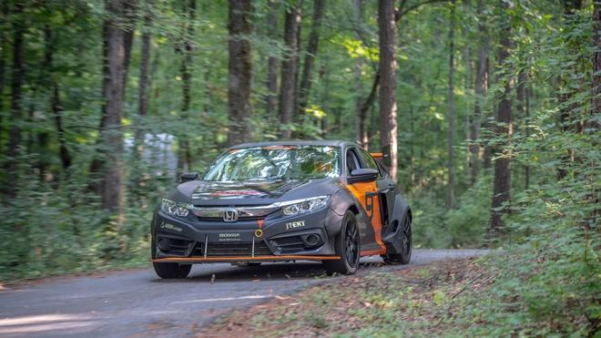 Honda Civic do tang toc ngang Bugatti Chiron hinh anh 5