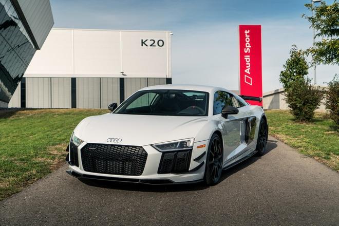 Audi R8 V10 hieu suat cao ra mat voi gioi han 10 chiec hinh anh