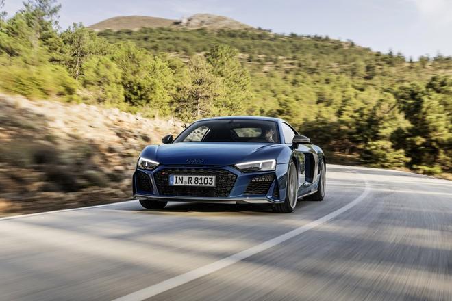 Audi R8 V10 2019 duoc cai tien ve thiet ke va suc manh hinh anh