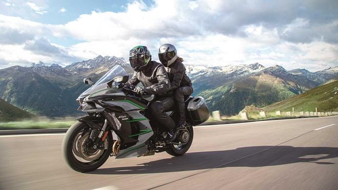 Kawasaki Ninja H2 SX SE+ 2019 hien dai hon, gia tu 25.000 USD hinh anh