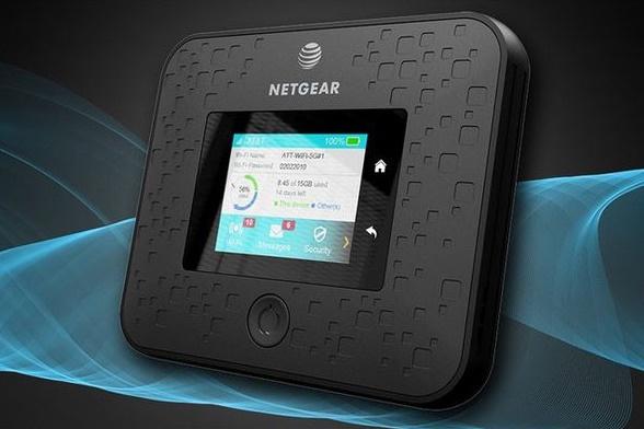 Netgear Nighthawk 5G là thiết bị có kết nối 5G đầu tiên trên thế giới. Ảnh: PhoneArena.