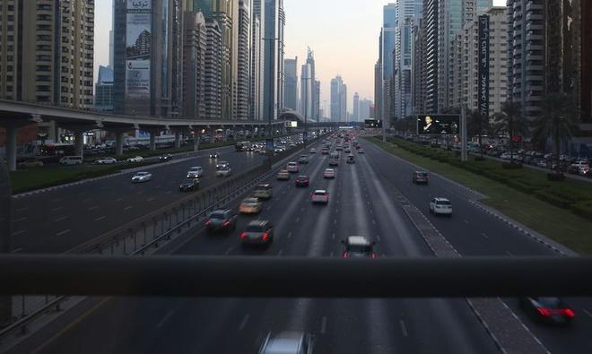 Ai se mua xe dien o noi gia xang sieu re nhu Dubai? hinh anh 2