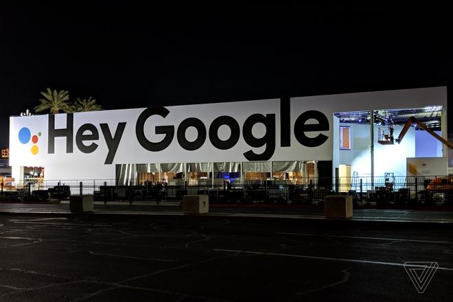 Apple treo bien quang cao khong lo da deu Google, Amazon tai CES hinh anh 2