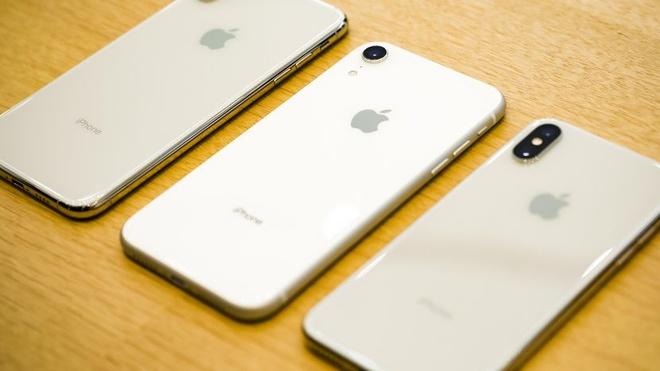 Sản lượng iPhone tiếp tục được điều chỉnh giảm. Ảnh: Cnet.
