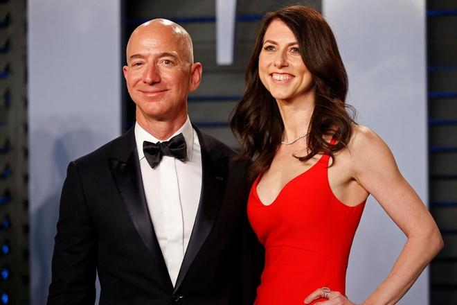 Vi sao vu ly hon cua Jeff Bezos lam gioi dau tu lo lang? hinh anh