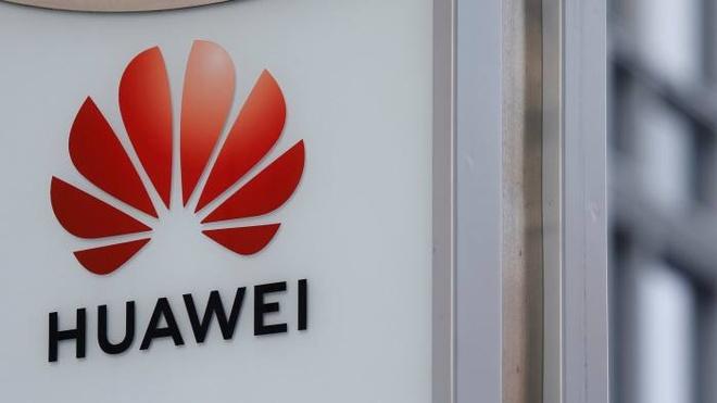 Huawei bi cam anh 1