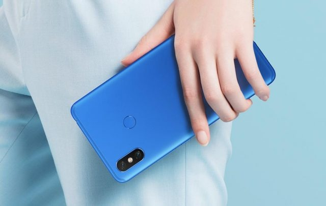 Xiaomi sap ra smartphone khong lo man hinh 7,2 inch hinh anh 1